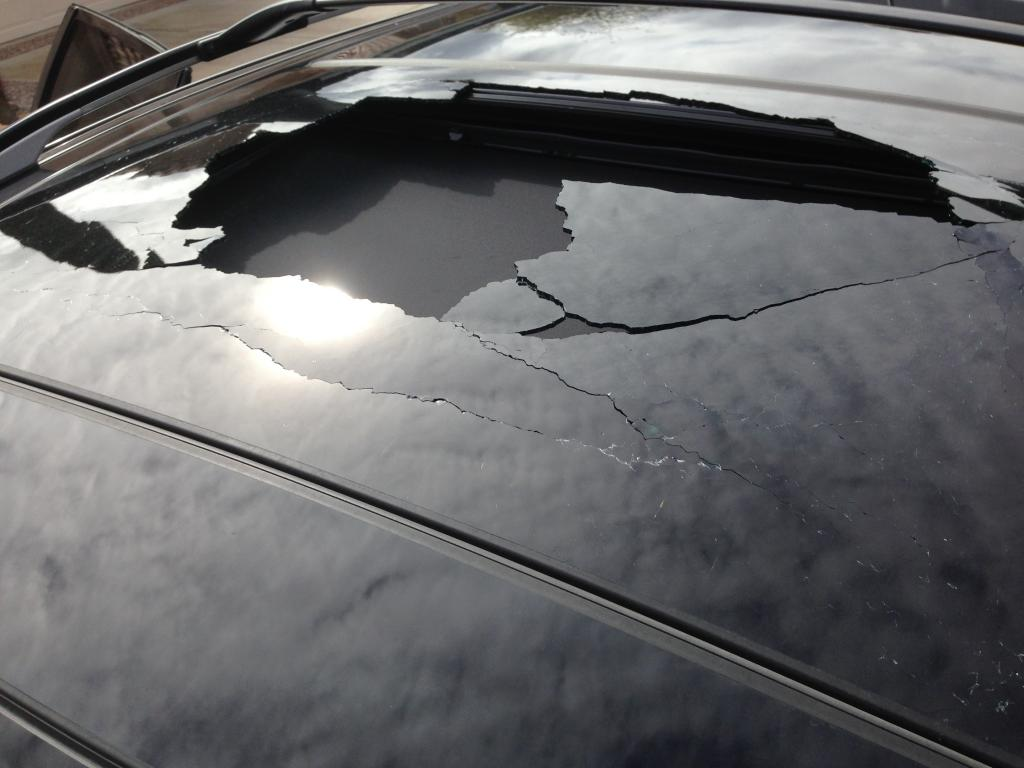 2011 Nissan Murano Sunroof Exploded: 2 Complaints