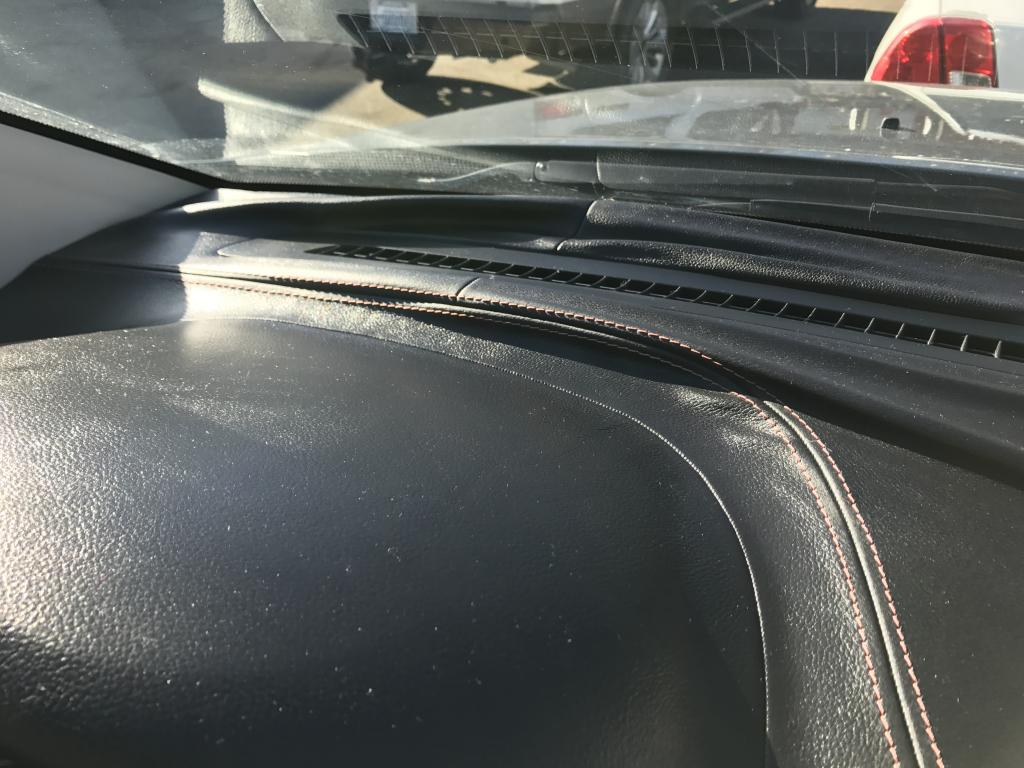 2013 Jeep Grand Cherokee Dash Leather Melting, Wrinkling ...