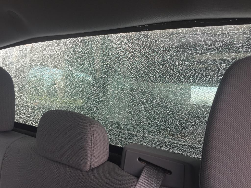 2014 Ford F 150 Rear Window Shattered 10 Complaints