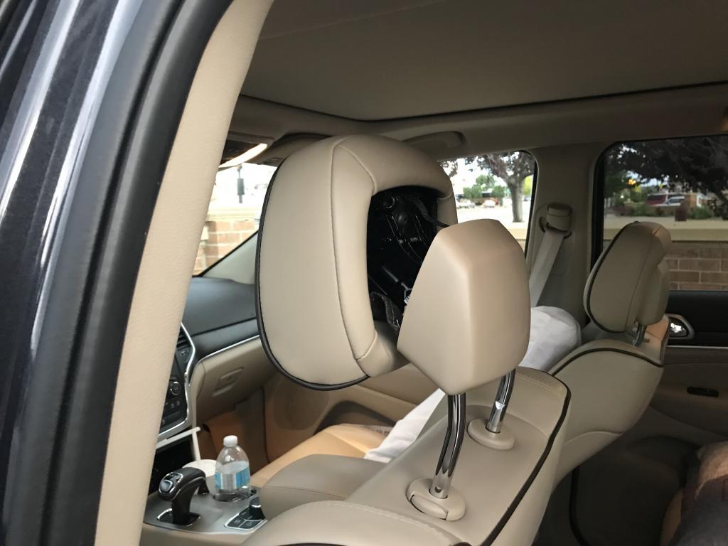 restraint active head deployed jeep cherokee grand seat vehicle