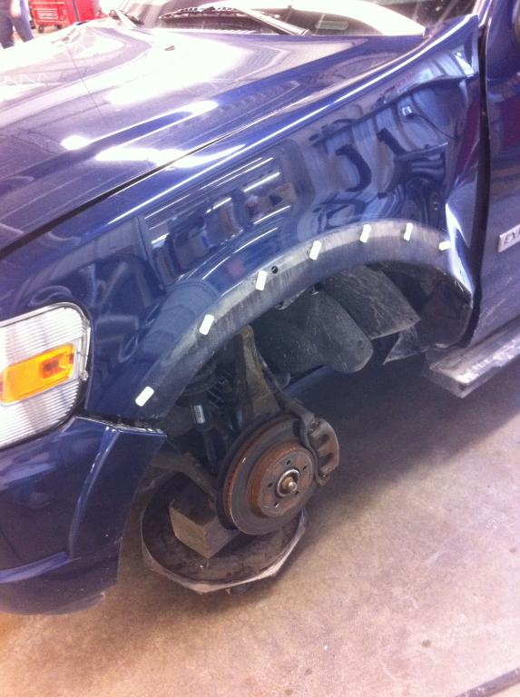 Steering Wheel Shaking >> 2008 Ford Explorer Wheel Fell Off: 3 Complaints