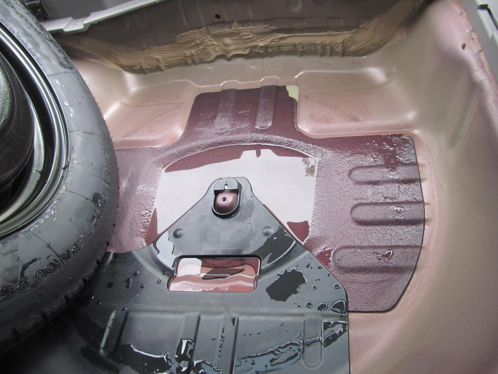 2010 Honda Cr V Water Leaks Into Interior 1 Complaints