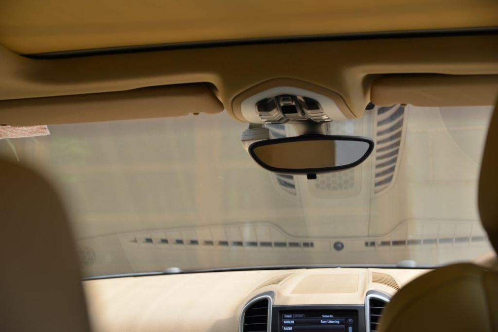 2013 Porsche Cayenne Unbearable Windshield Glare