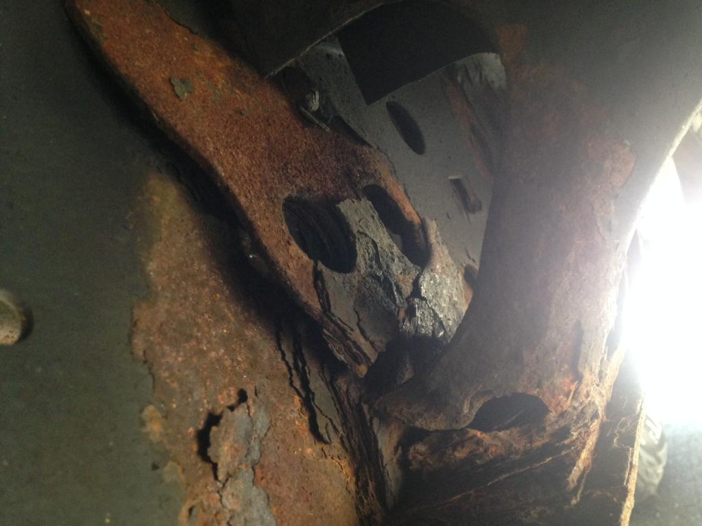 2002 Toyota Tundra Severe Rust Issues And Bent Frame 1