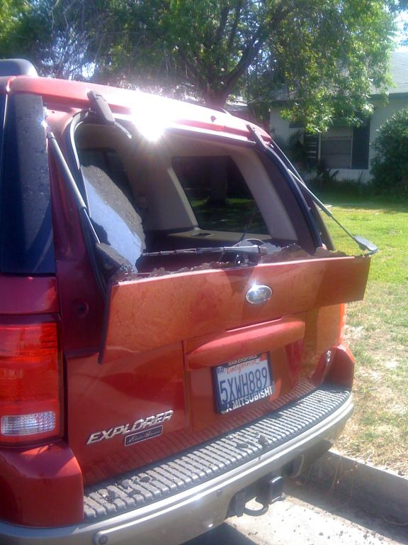 2004 ford explorer rear windshield blew up 10 complaints for 1997 ford explorer window problems