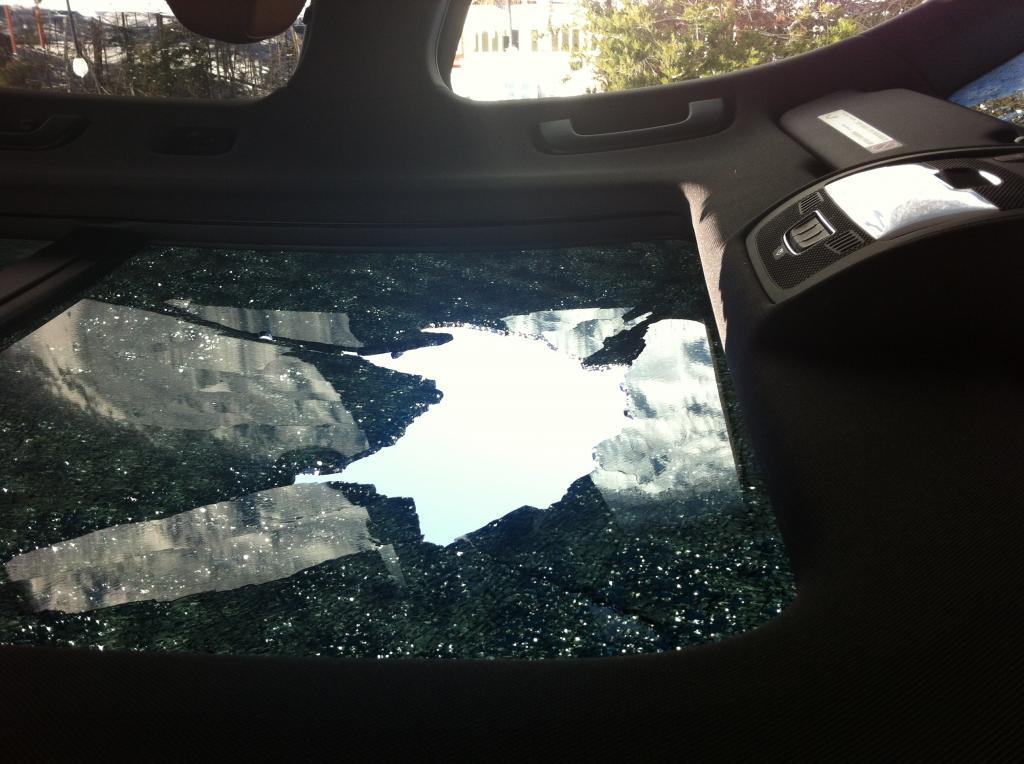 2012 Audi Q5 Sunroof Shattered 4 Complaints