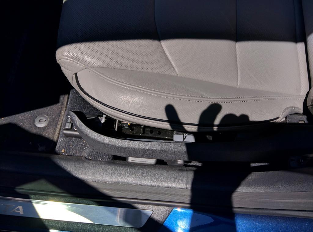 2015 Hyundai Sonata Broken Seat Panel 9 Complaints