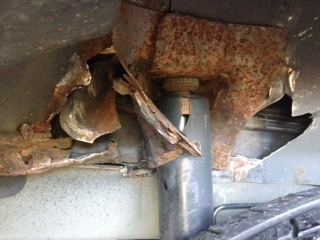 2006 Ford Escape Subframe Rotted Out: 1 Complaints
