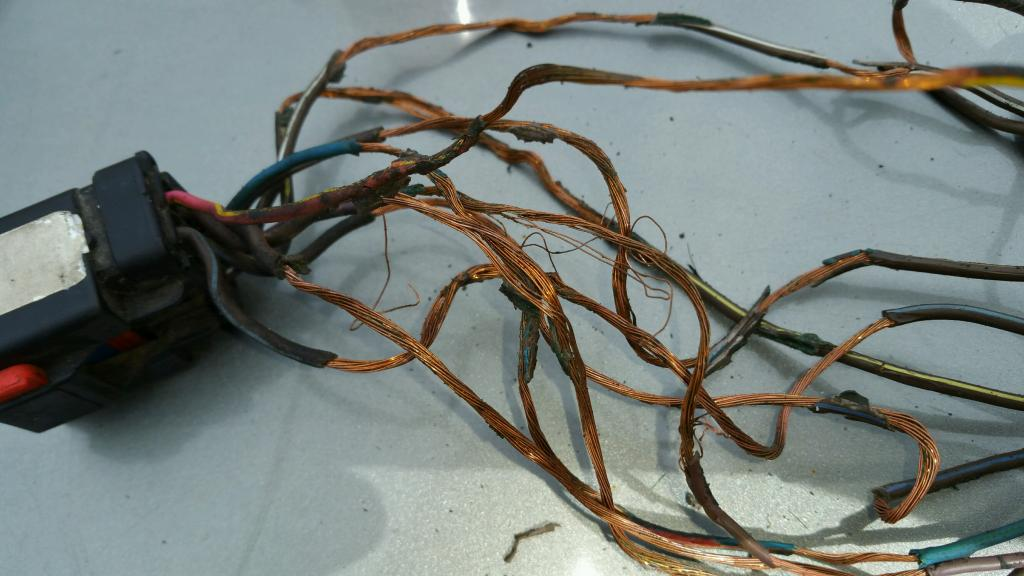 2003 chrysler town  u0026 country wiring harness melted on the