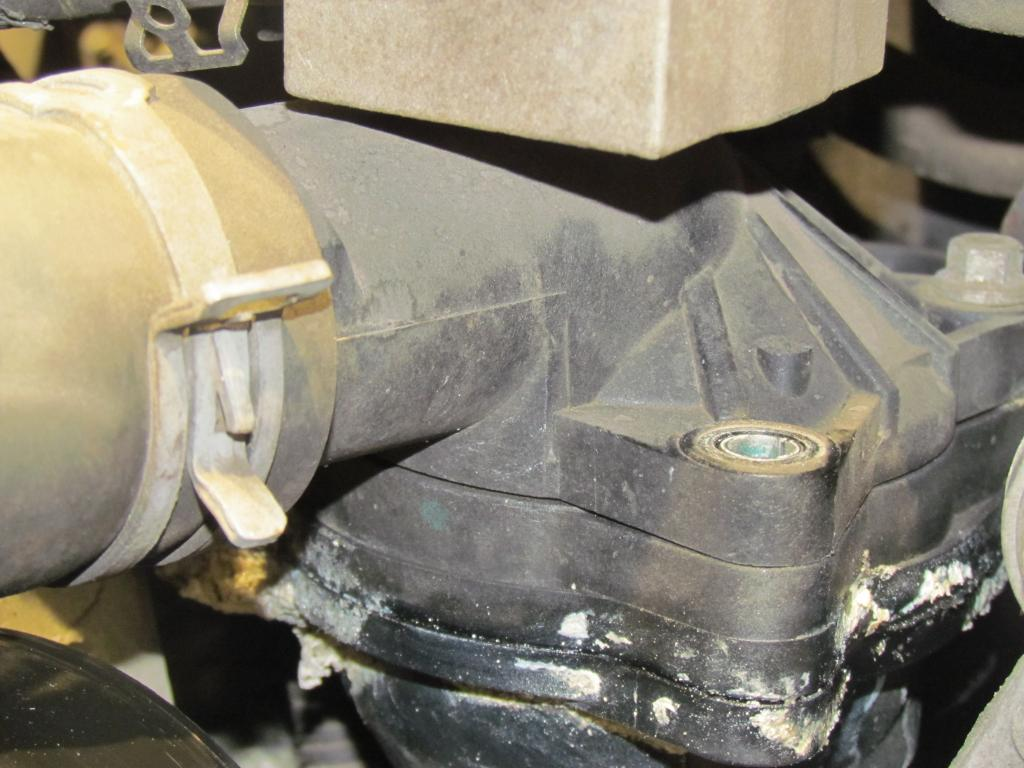 2005 Ford Mustang Thermostat Housing Splits Leaks 3