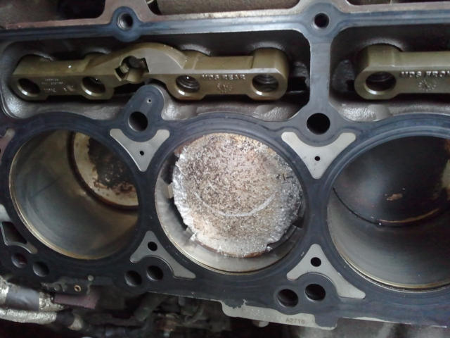 2005 Chrysler 300c Engine Failure 12 Plaints