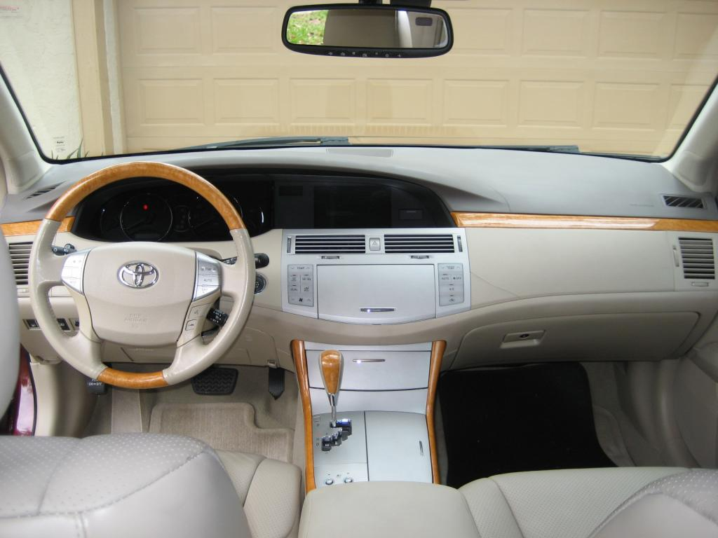 2007 toyota avalon cracked dash board 15 complaints. Black Bedroom Furniture Sets. Home Design Ideas