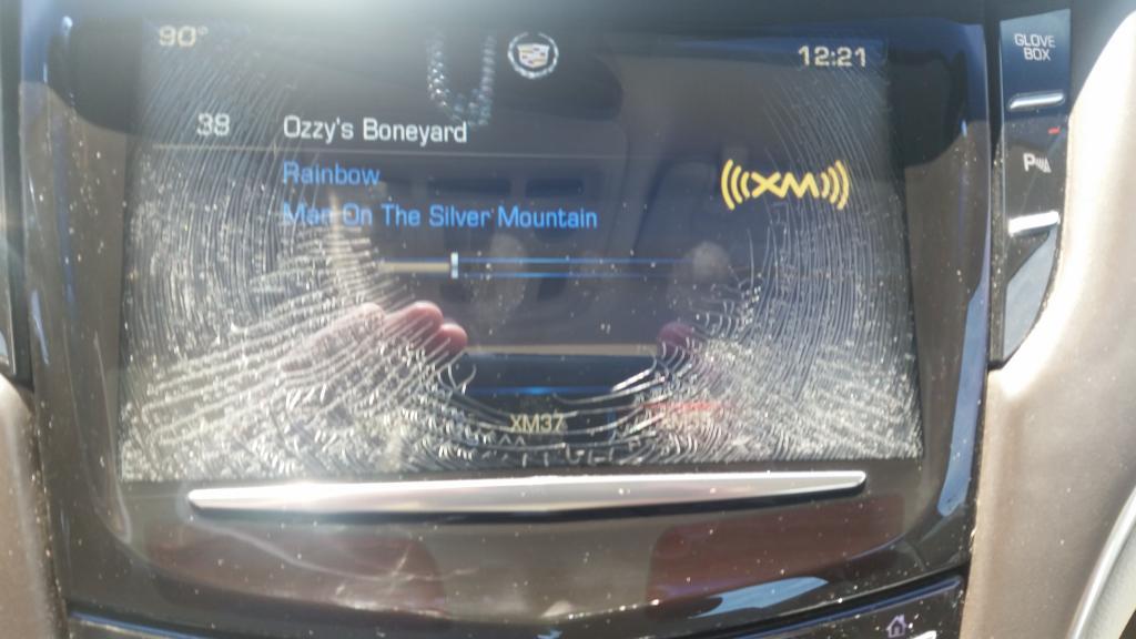 2013 Cadillac XTS Cue System Screen Delamination: 1 Complaints