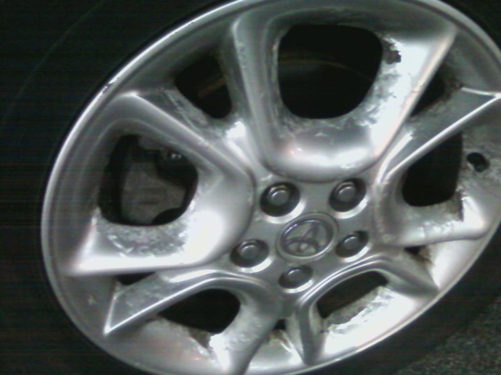 2005 Toyota Sienna Alloy Wheel Rims Paint Is Bubbling And