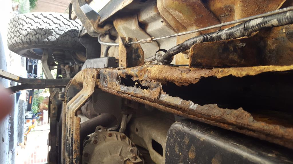 2004 Ford F-150 Frame Totally Rusted Out: 17 Complaints
