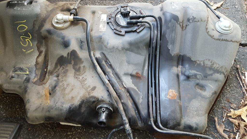 2007 Saturn Ion Fuel Leak At Gas Tank: 3 Complaints