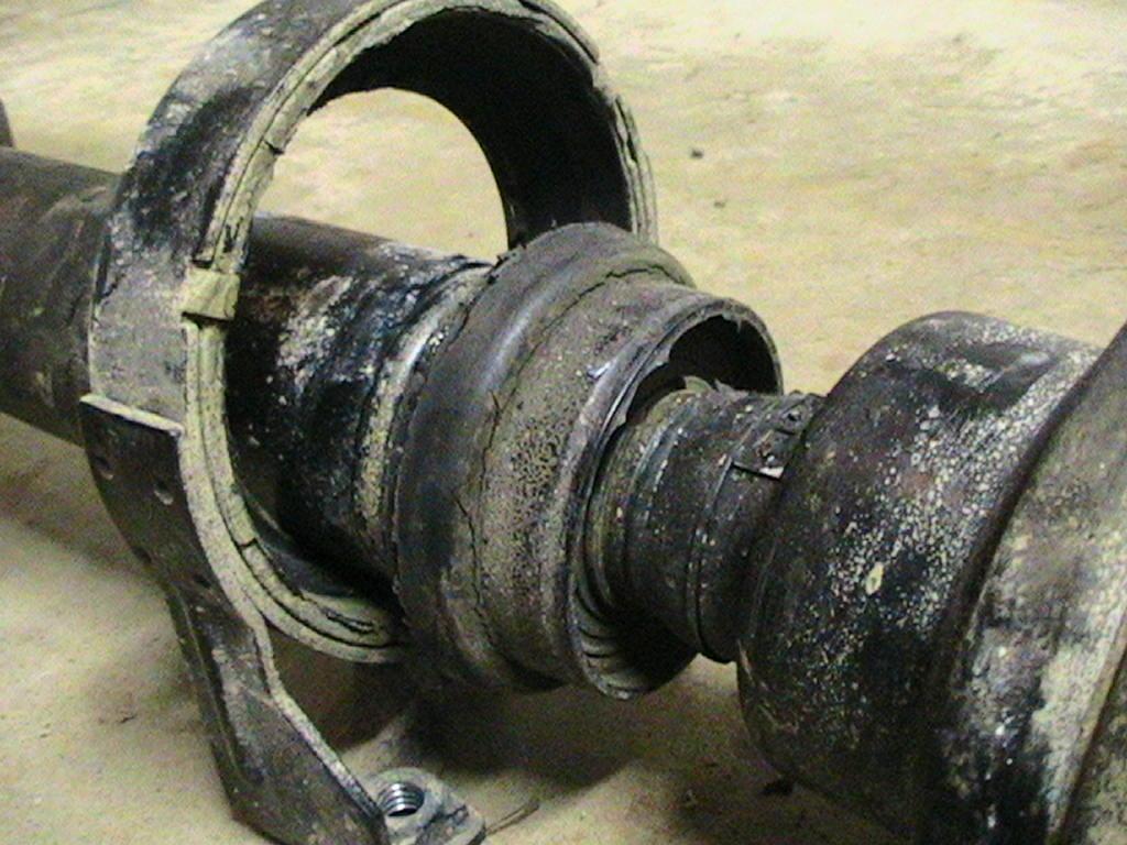2005 Volkswagen Touareg Drive Shaft Bearing Support Failed 1 Complaints