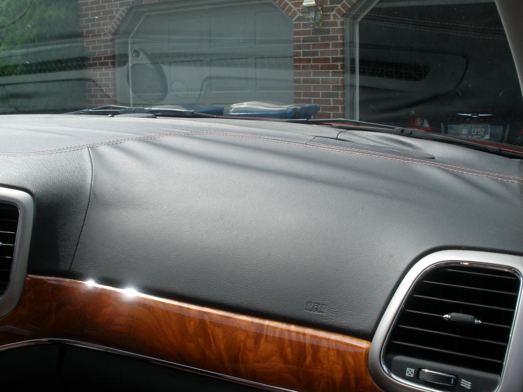 2012 Jeep Grand Cherokee Leather Dash Has Delaminated 28