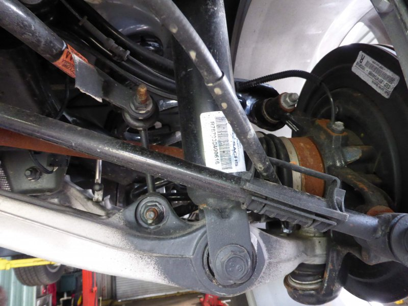 2014 Jeep Grand Cherokee Underbody Rust Corrosion 1