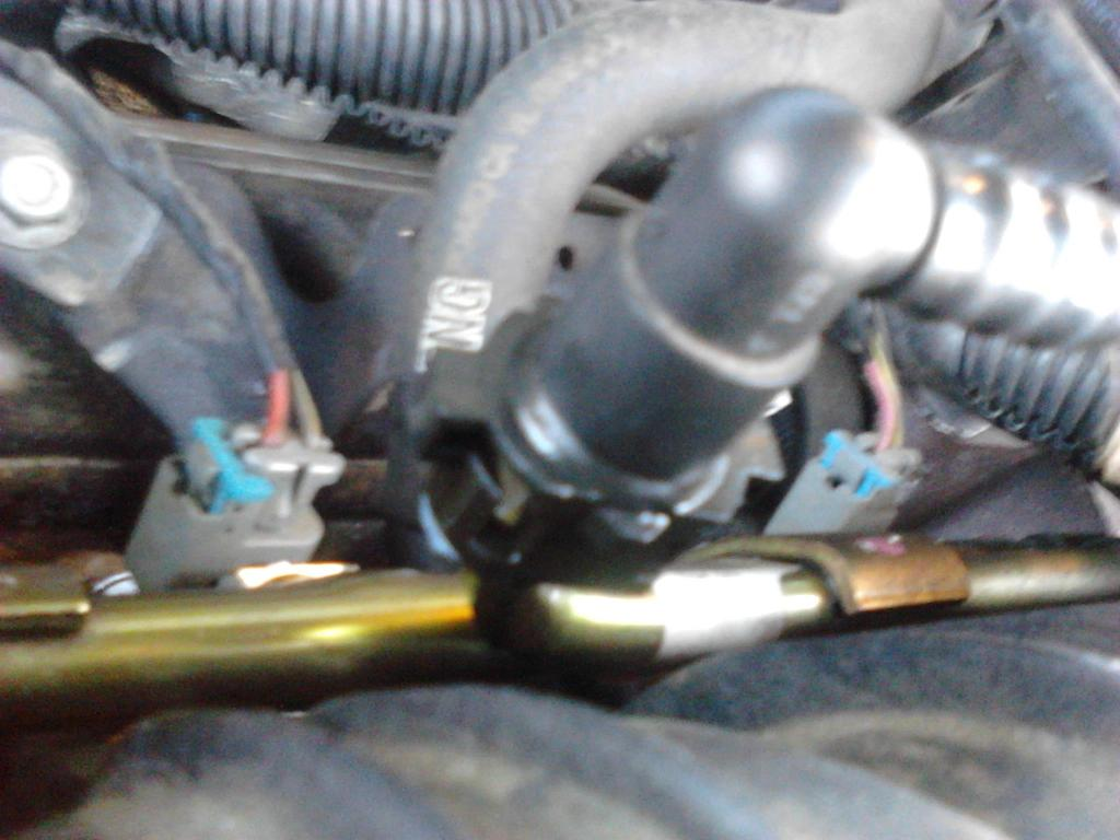 62b713a2 7e86 1030 a1ce d4882b41c61dr 2002 buick lesabre fuel line leaks where it connects to the engine