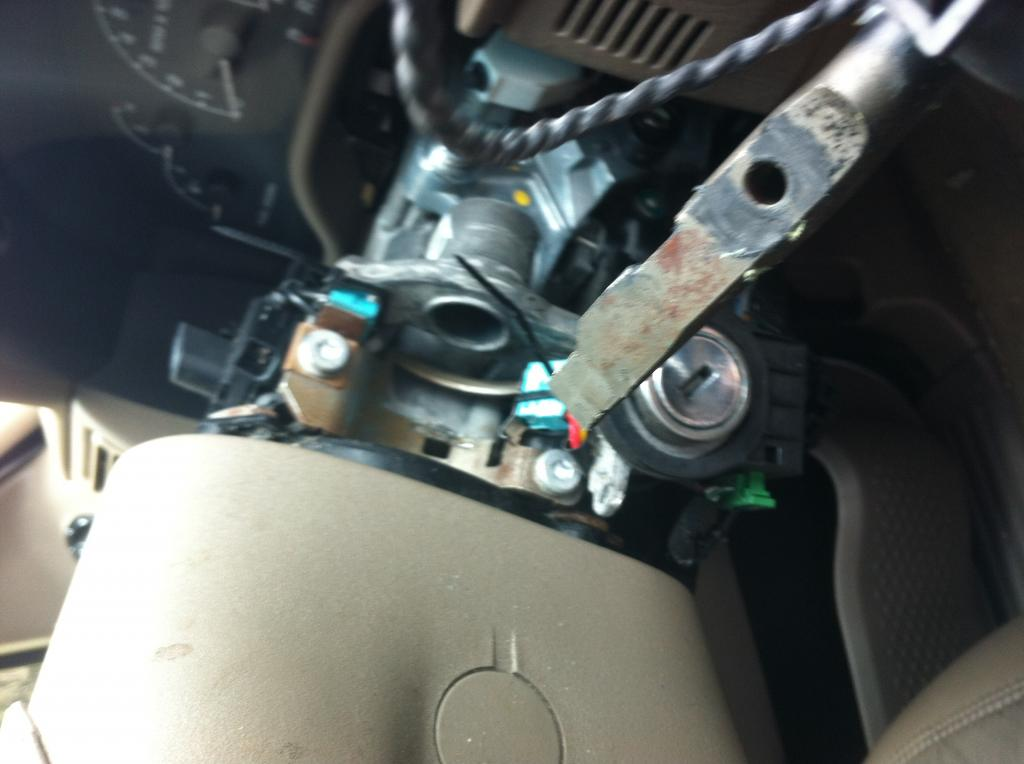 ford explorer steering column broke    complaints