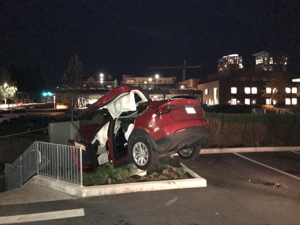 2017 Tesla Model X Unintended Acceleration 1 Complaints