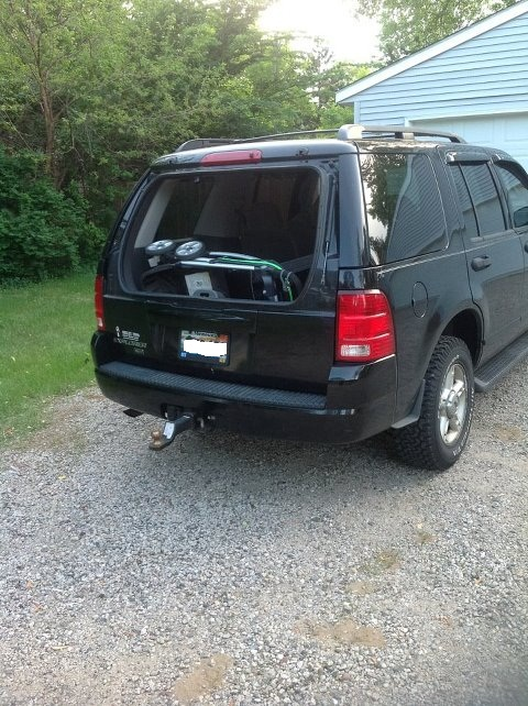 2004 Ford Explorer Defective Hinges On Rear Window 57