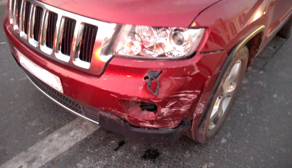 2012 jeep grand cherokee total loss of brakes 5 complaints. Black Bedroom Furniture Sets. Home Design Ideas