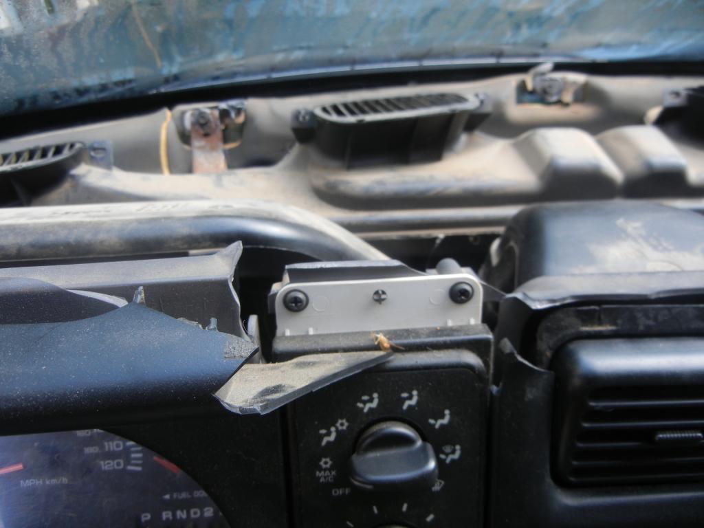 2001 dodge ram 1500 cracked dashboard 604 complaints page 3. Black Bedroom Furniture Sets. Home Design Ideas