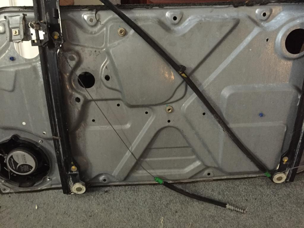 2005 Volkswagen Beetle Broken Window Regulator: 7 Complaints
