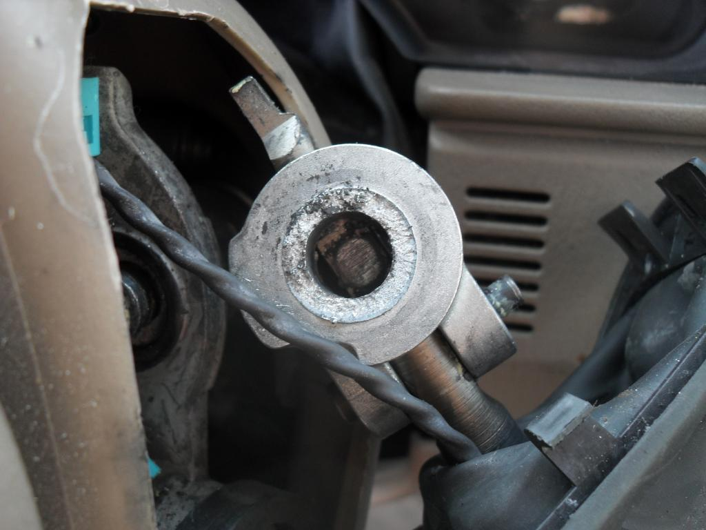 Gear Shift Lever : Ford explorer gear shift lever fell off