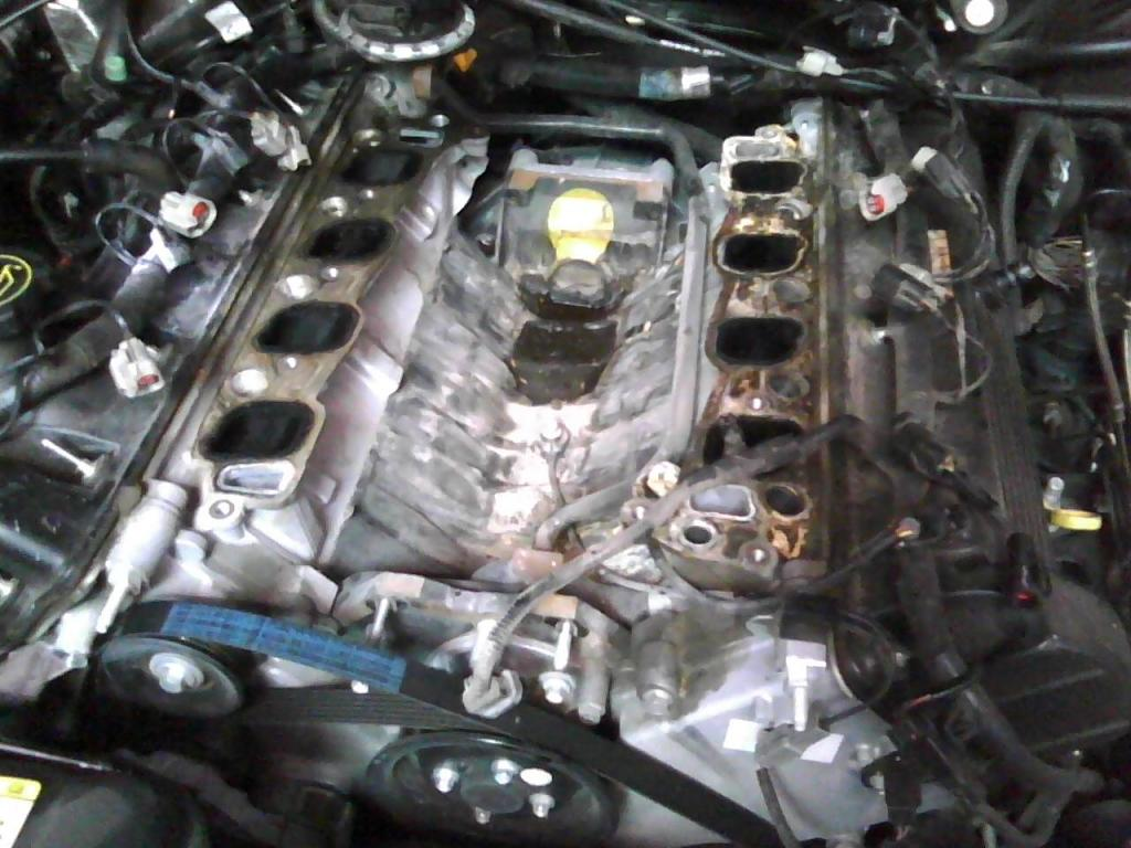 Coolant Leak See Pic 47909 moreover 97 Ford F 250 5 8 Engine Diagram together with P 0900c152800a9b2c as well Engine  partment Fuse Location 272862 moreover Ford F 250 Why Wont My Truck Go Into Gear 361575. on location of coolant sensor on 2004 4 6l v8