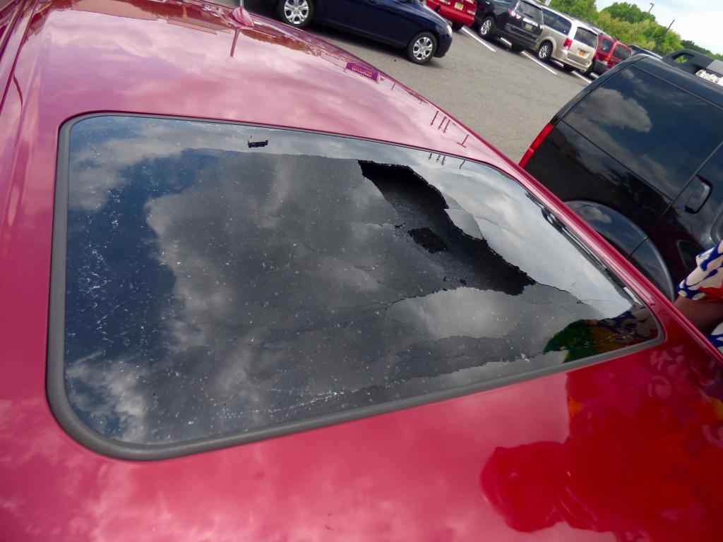2011 lexus ct 200h sunroof exploded 1 complaints