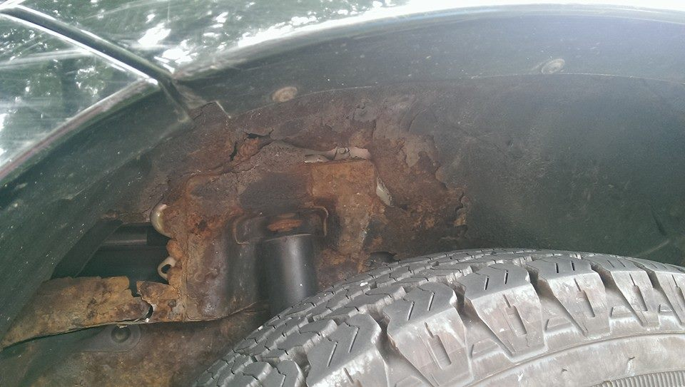 ford rust wheel rusted escape well shock tower excessive 2005 undercoating issue recall body paint recalled escapes source larger complaints