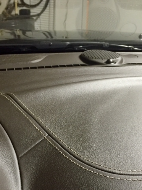 2011 Jeep Grand Cherokee Leather Dashboard Is Bubbling ...