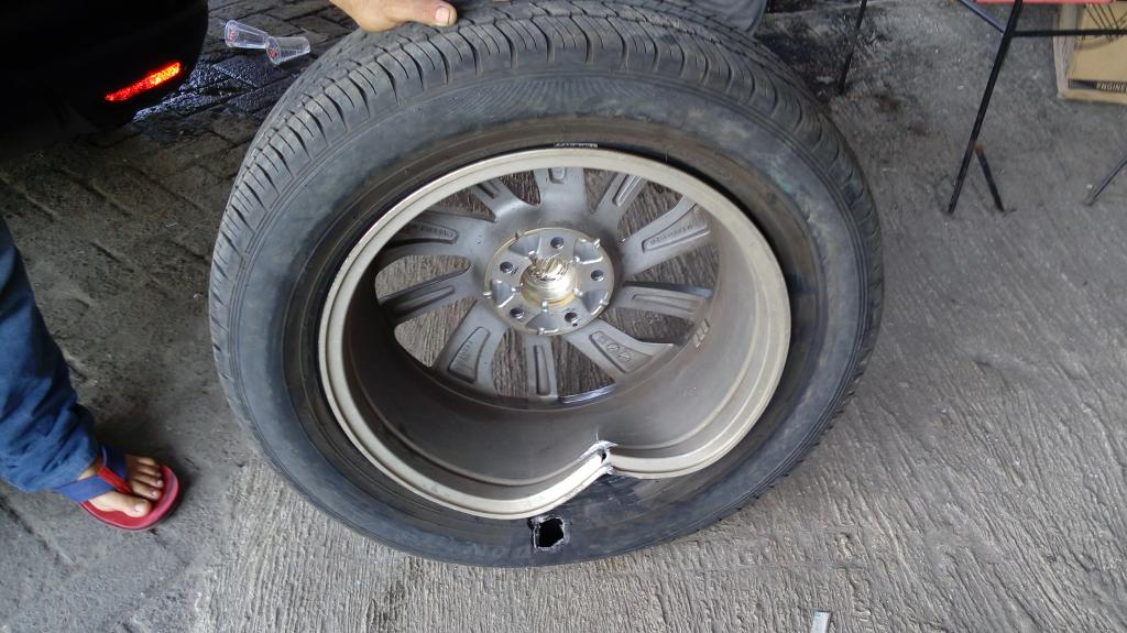 2015 Nissan X Trail Cracked Rim Blew Tire 1 Complaints