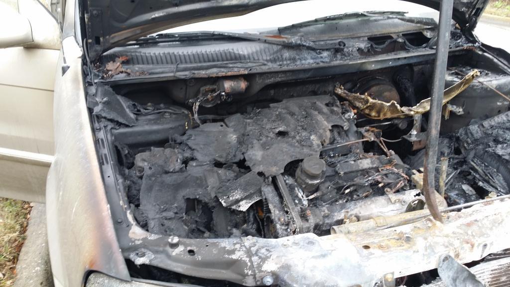 2002 Kia Sedona Engine Compartment Fire 1 Complaints