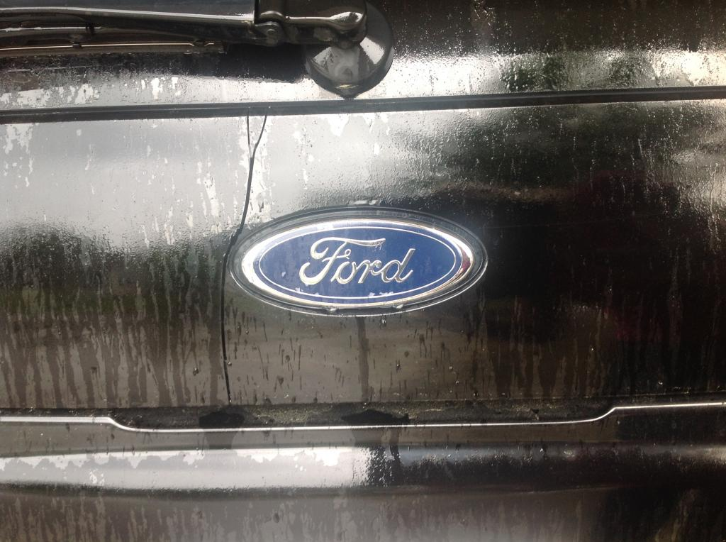 Ford Dealerships Near Me >> 2003 Ford Explorer Cracked Panel Below The Rear Window ...