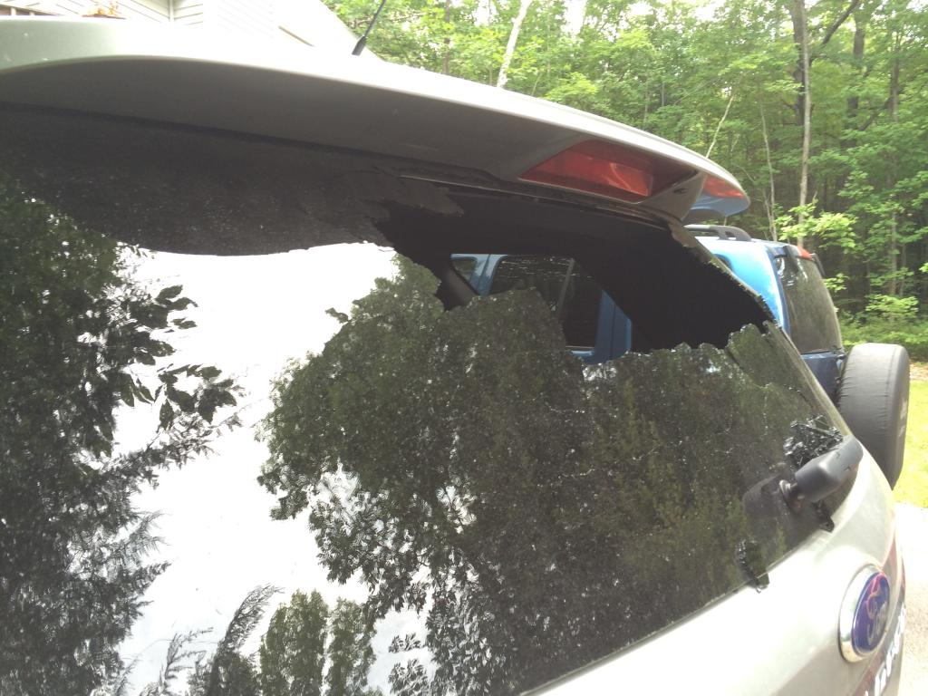 2011 Ford Explorer Rear Window Exploded 2 Complaints
