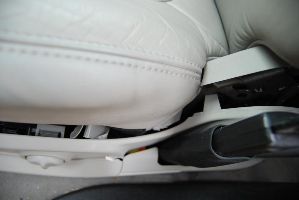 Gmc Acadia Accessories >> 2012 GMC Acadia Seats Are Cracking And Breaking Apart: 5 Complaints