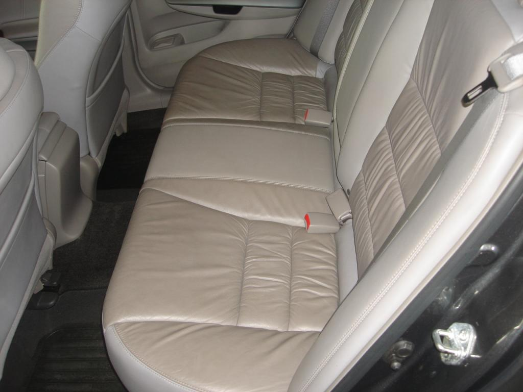 2008 honda accord poor leather quality 55 complaints page 3. Black Bedroom Furniture Sets. Home Design Ideas