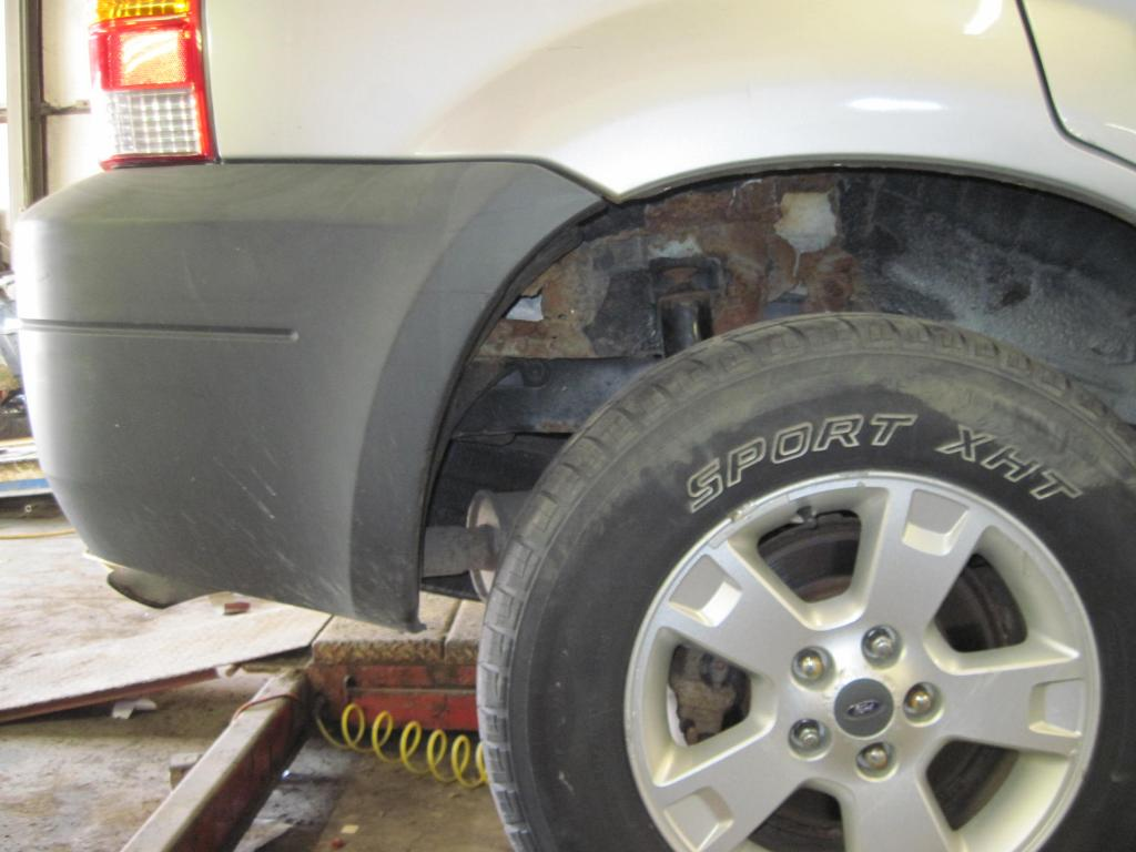 2005 Ford Escape Problems >> 2005 Ford Escape Excessive Wheel Well Shock Tower Rust 114