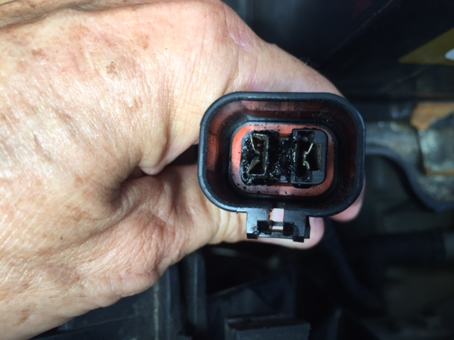 2005 Hyundai Santa Fe Oil Low Pressure Light On 1 Complaints