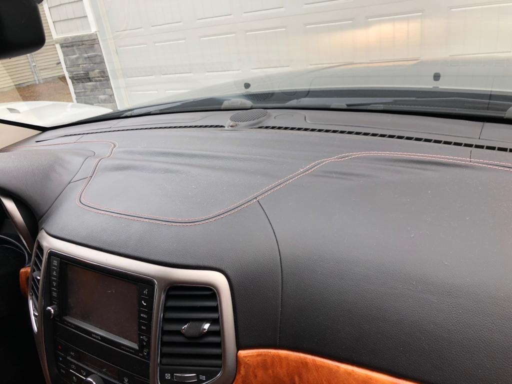 Jeep Grand Cherokee Overland >> 2012 Jeep Grand Cherokee Leather Dash Has Delaminated: 29 ...