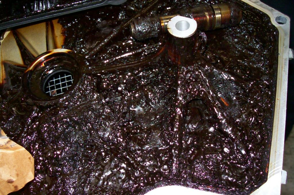 2006 Chrysler 300 Engine Failure Due To Oil Sludge 10