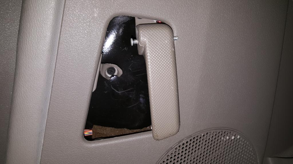 2005 Jeep Grand Cherokee Door Handles Have Broken From Interior Door