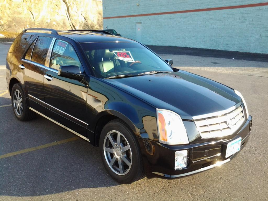 2004 cadillac srx traction control light on 1 complaints. Black Bedroom Furniture Sets. Home Design Ideas