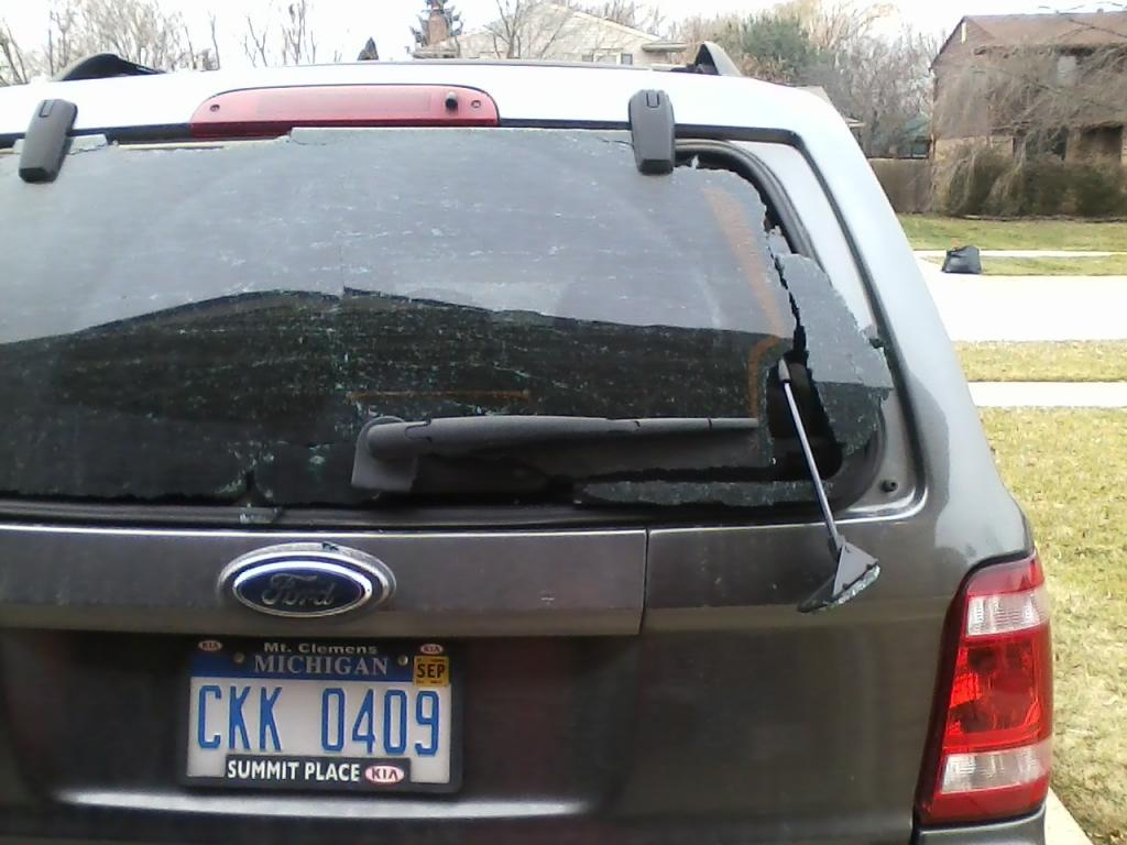 2009 Ford Escape Shattered Rear Window 6 Complaints