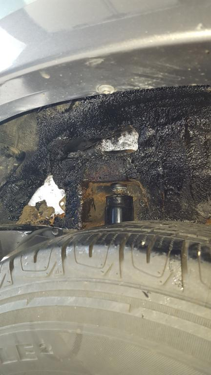 2006 Ford Escape Shock Mount Rusted Out 11 Complaints