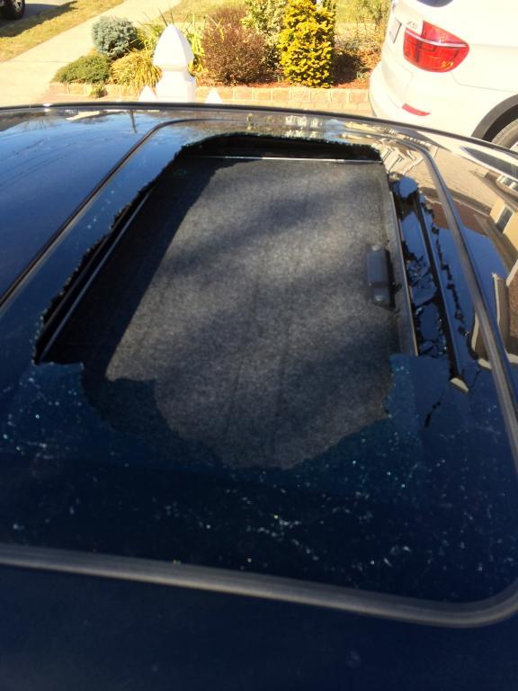 2011 Mazda Mazda3 Exploding Sunroof 1 Complaints